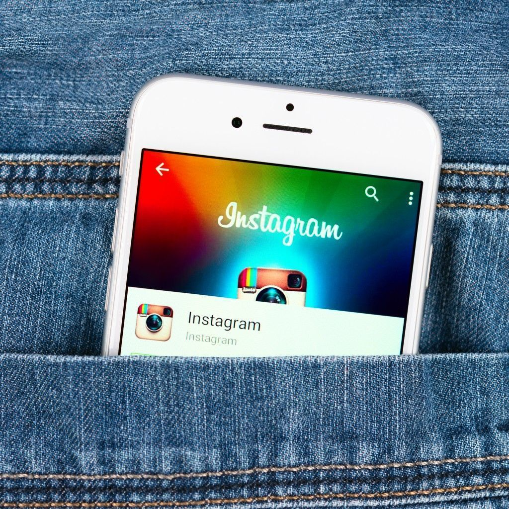 Silver Apple Iphone 6 Displaying Instagram Application